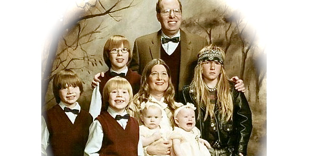 Ung man med familj
