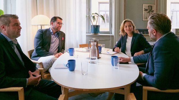 Vill Ebba också spela rysk roulette?