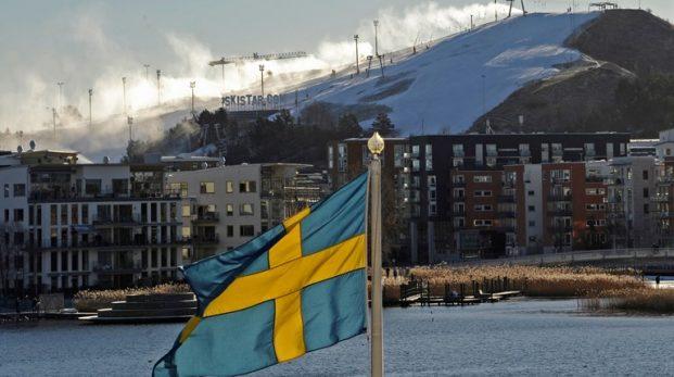 Är den svenska demokratin riggad för en politisk elit?