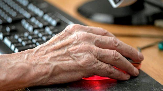 Åldringsvården fungerar inte – vi behöver minska antalet äldre kraftigt