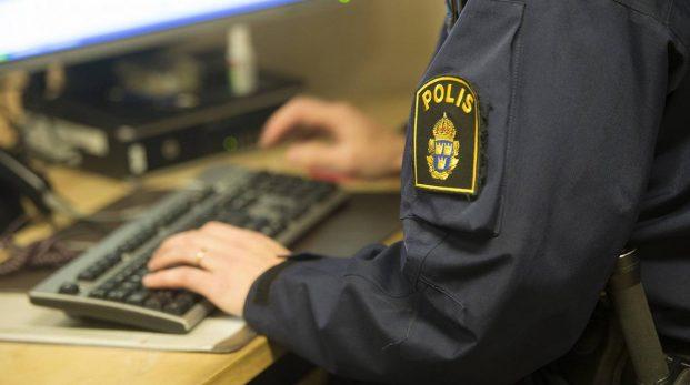 Inte ens hälften av landets poliser arbetar ute på fältet
