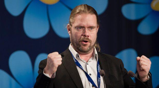 Sverigedemokratiska partipampar utreder sig själva