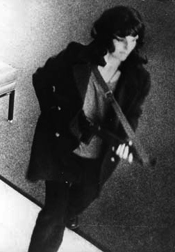 /wp-content/uploads/content/reportage/Stockholmssyndromet/PattyHearstRobsBank 2.jpg